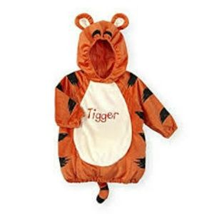 Winnie the Pooh costume contest 6-9 months